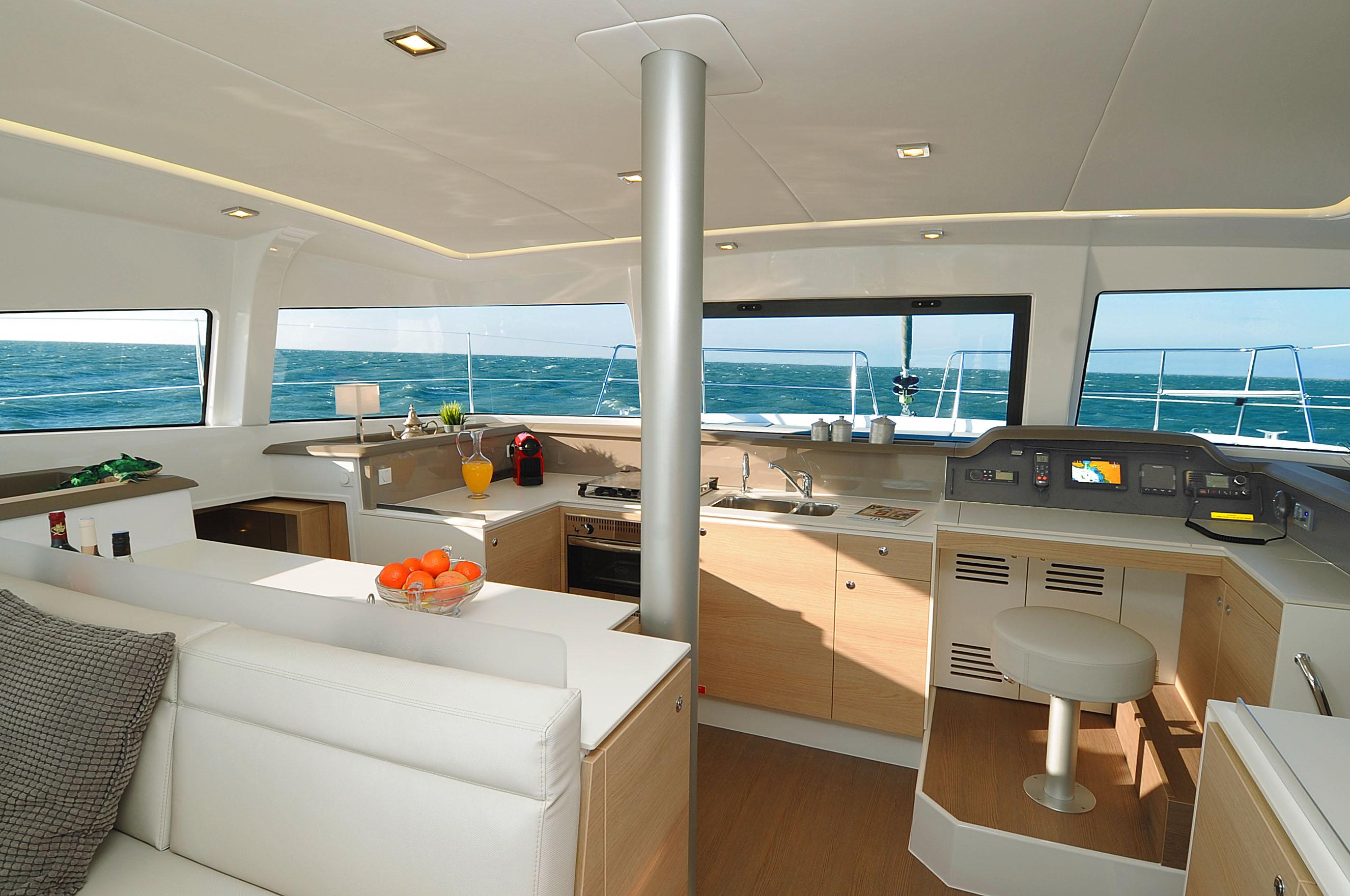 catamaran 12 m avec voile pont u00e9e bali 4 1